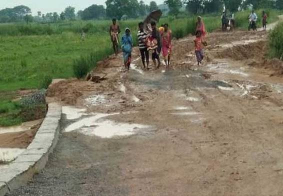 Poor road conditions make life miserable in Kendrapara