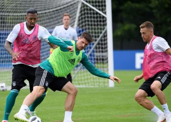 Jerome Boateng (L), Mario Gomez (C) and Joshua Kimmich during Germany's training session, Saturday