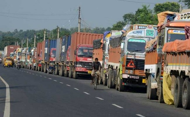 road blockade, Road blockade by BJD workers over completion of NH-353