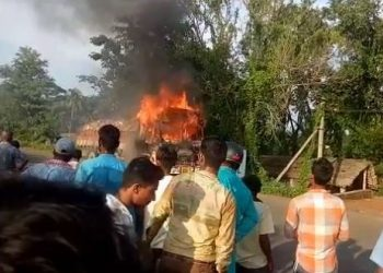 The ten-wheeler that mowed down five children burns, set ablaze by irate residents
