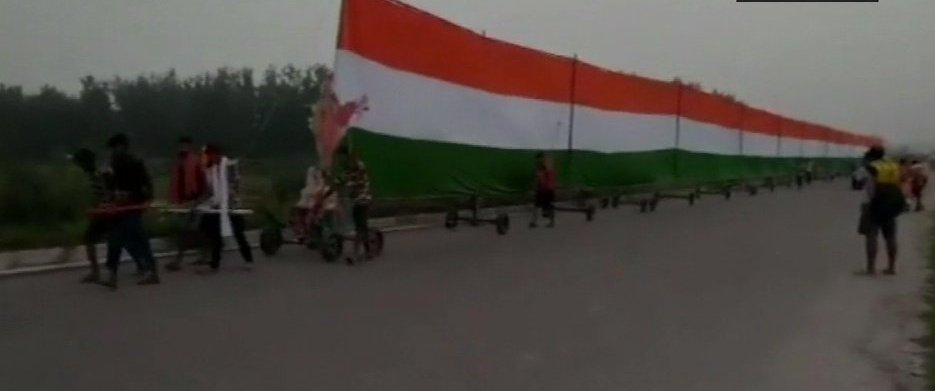 Martyrs, Remembering the Martyrs: 35 pilgrims carry 361-ft long Tricolour during Kanwar Yatra