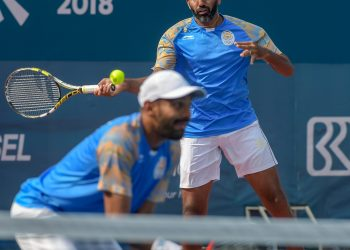 Rohan Bopanna (R) and Divij Sharan during their doubles encounter at the Asian Games, Wednesday