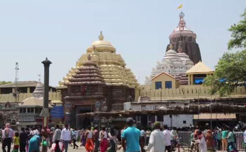 Srimandir, Devotees to enter Srimandir in queue