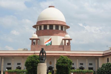 Supreme Court, SC seeks EC response on Cong leaders' plea on duplicate voters in MP, Raj