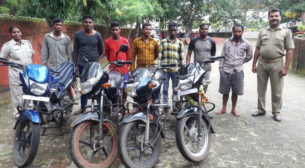 bike lifting gang, Bike lifter gang busted, five motorcycles seized