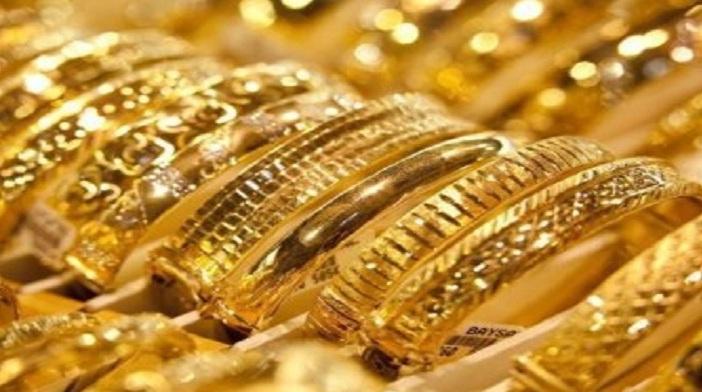 Rupee, Gold rises on festive demand, weak rupee