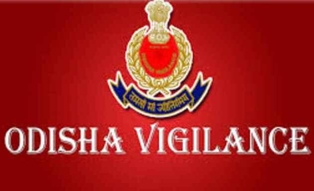 Vigilance, Vigilance sleuths raid houses of 2 constables