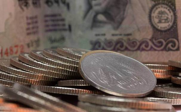 Rupee, Rupee falls 22 paise to 70.32 against US dollar