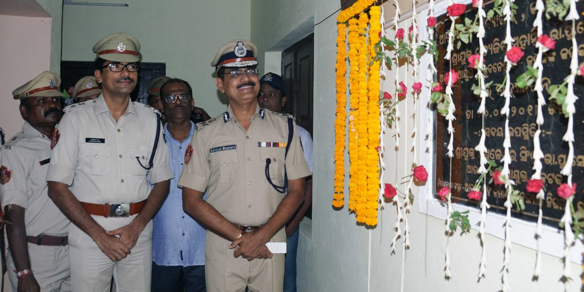 Bhubaneswar-Cuttack Police Commissioner Satyajit Mohanty inaugurating the barrack at Cuttack, Thursday