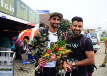 Indian hockey players Mandeep Singh (L) and Manpreet Singh pose for the shutterbugs at the BPIA, Sunday