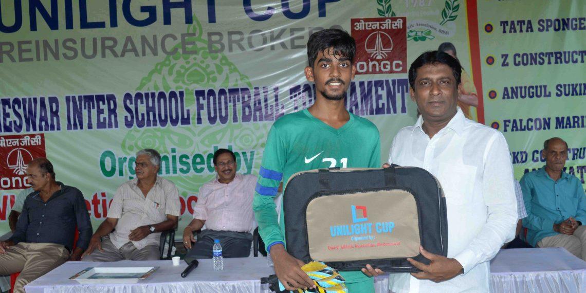 Soumya Ranjan Mishra receives the man of the match award in Bhubaneswar, Monday