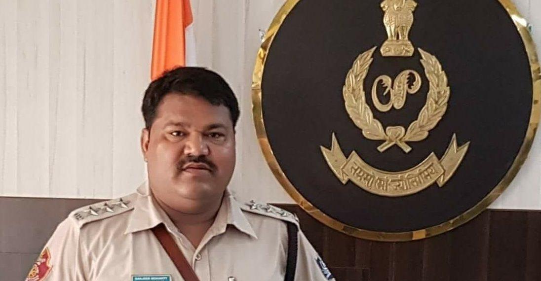 Jatni police, Jatni IIC held for taking bribe