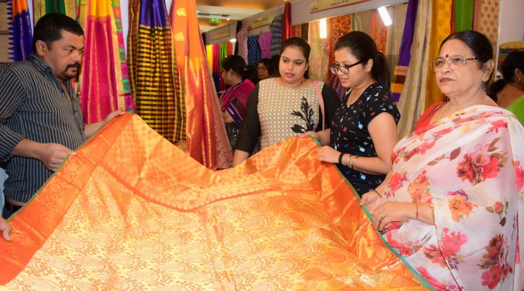 , Expo enters last day, continues to tantalise