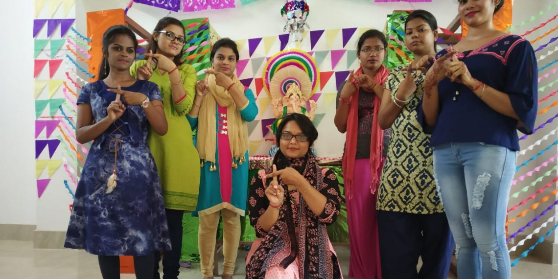 Postgraduate girls of English department of SCS College in Puri take a pledge against plastic