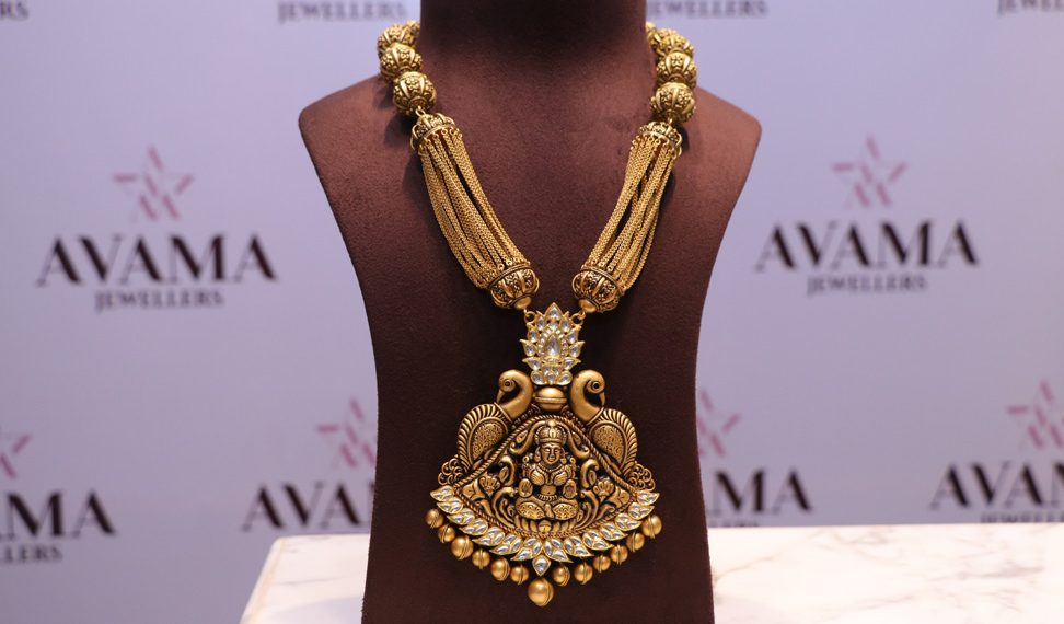 temple jewellery, Dazzle of tradition