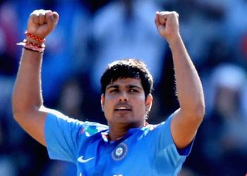 Karn Sharma took three wickets for Andhra Pradesh