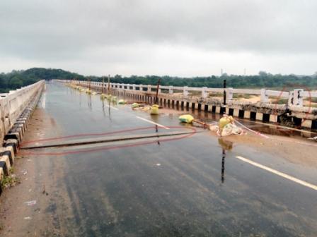 Widening gaps in bridge joints spread panic - OrissaPOST