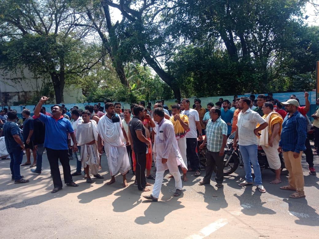 Protestors turn violent in Puri, Sec 144 CrPC clamped