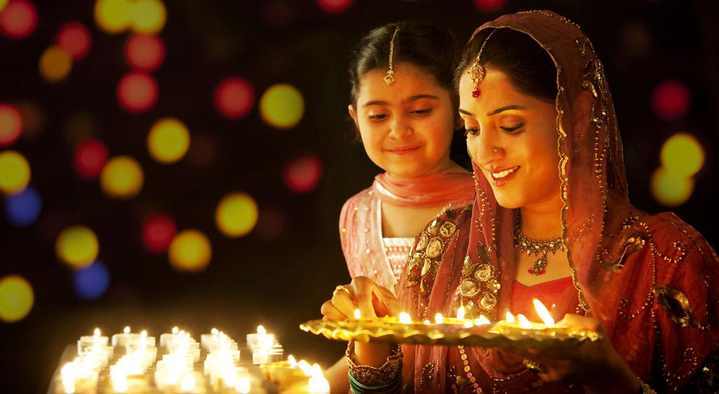 Different-style-of-Diwali-celebration