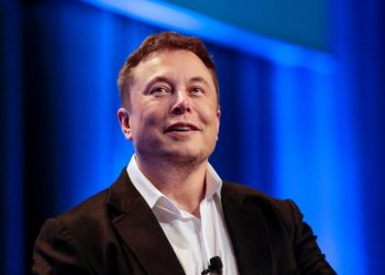 """Tesla and SpaceX CEO Elon Musk participates in a """"fireside chat"""" at the National League of Cities (NLC) 2018 City Summit in Los Angeles, California, U.S. November 8, 2018. REUTERS"""