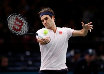 Roger Federer plays a forehand during his match against Fabio Fognini (not in pic), Thursday