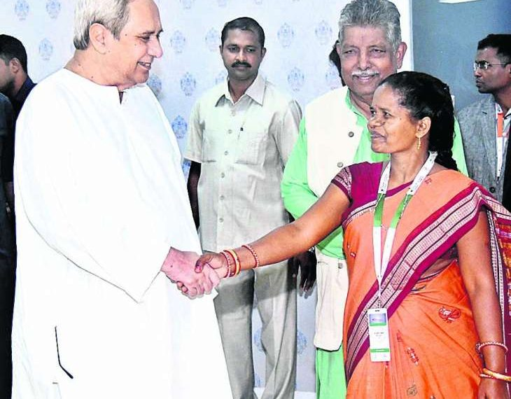 , Naveen gives standing ovation to tribal woman's success story
