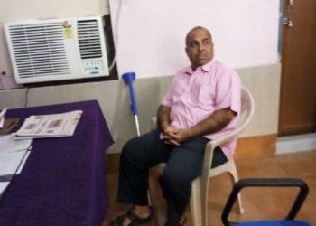 Lab demonstrator caught for taking bribe