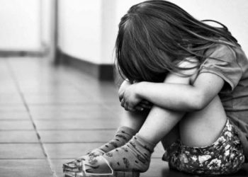 Two-year-old girl sleeping with mother on footpath raped in New Delhi