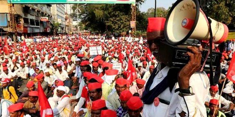 Over 50,000 farmers converge in Kolkata, demand remunerative prices