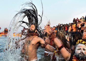 Naga Sadhus take dip at the Maha Kumbh 2019 (AP)
