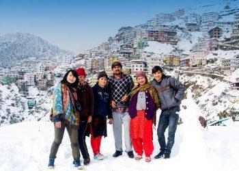 Snowfall in Himachal (AFP)