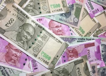 Rupee rises 21 paise against US dollar in early trade