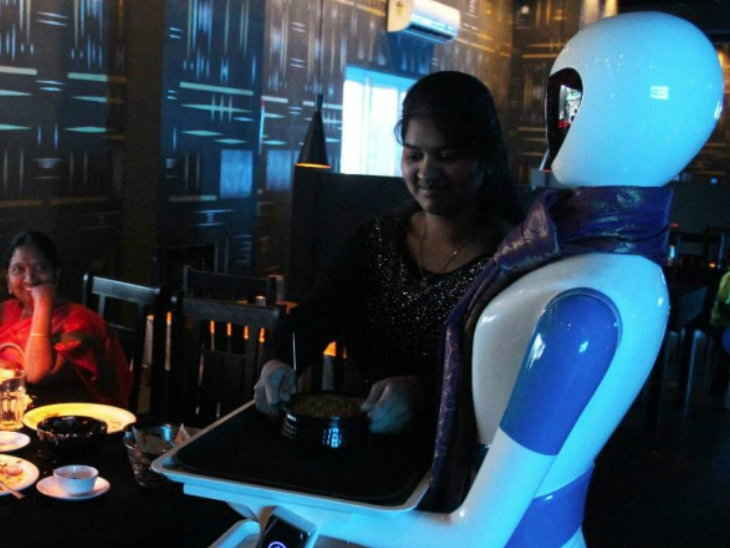 , Robot kitchen in Hyderabad, orders on tabs