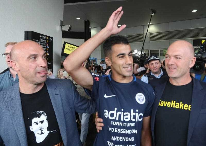 , Bahraini footballer Hakeem al-Araibi arrives in Melbourne to tumultuous welcome
