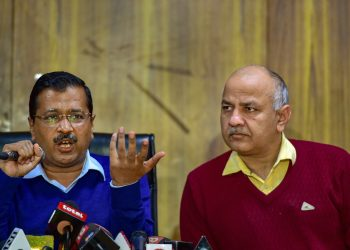 Delhi Chief Minister Arvind Kejriwal (L) and Deputy Chief Minister Manish Sisodia during the press conference, Thursday