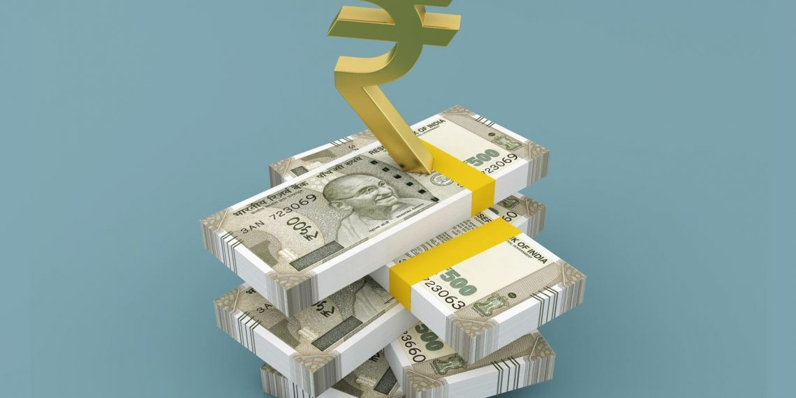 , Rupee gains 13 paise to 71.18 vs USD on easing crude price