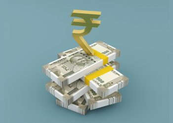 Rupee slips 20 paise to 71.47 vs USD in early trade