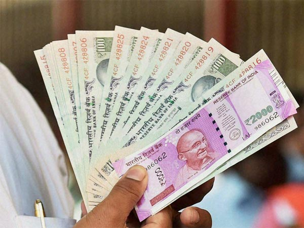 Rupee slips 7 paise to 69.24 vs USD in early trade
