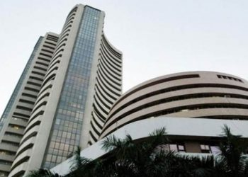 Sensex, Nifty start on a volatile note