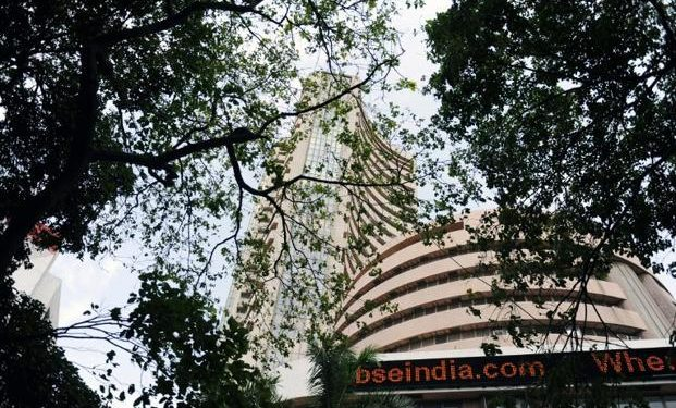 Market starts on a tepid note amid weak global cues