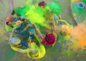 children playing holi