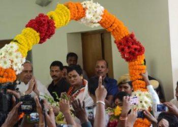 Meera Parida joining the BJD at Naveen Niwas (File Photo)