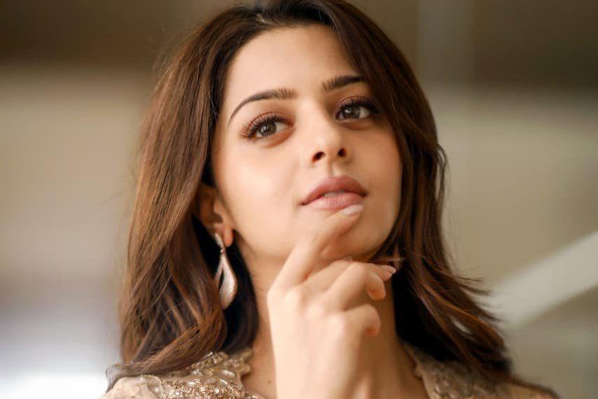 Shooting for 'Kanchana 3' was like holiday: Vedhika