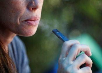 Indian study says e-cigarette helps in quit smoking