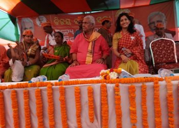 Sinha bats for BJP govt at Centre, state