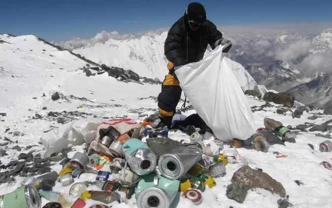 Every year, hundreds of climbers, Sherpas and high altitude porters make their way to Everest, leaving behind tonnes of both biodegradable and non-biodegradable waste.