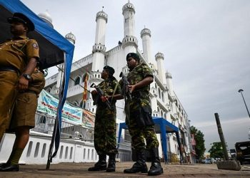 Some mosques cancelled prayers, and Sri Lanka's Muslim affairs minister called on Muslims to pray at home instead, in solidarity with churches that have closed over security fears. (Representational image)