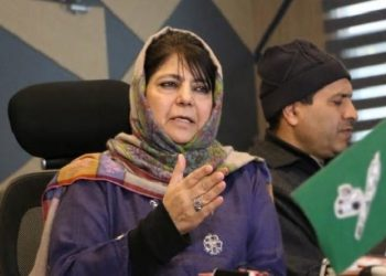 The former chief minister of Jammu and Kashmir said Shah should apologise as the foundation of the country has been laid on secularism.