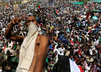 Thousands remained encamped outside Khartoum's army headquarters to keep up pressure on a military council that took power after ousting Bashir Thursday. (Image: Reuters)