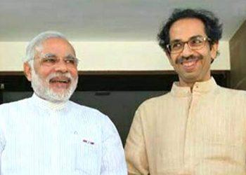 Narendra Modi (L) and Uddhav Thackeray. File pic